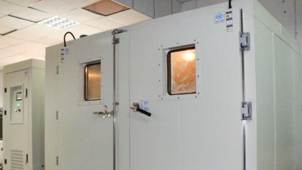 浅谈高低温试验箱的清洁维护与保养